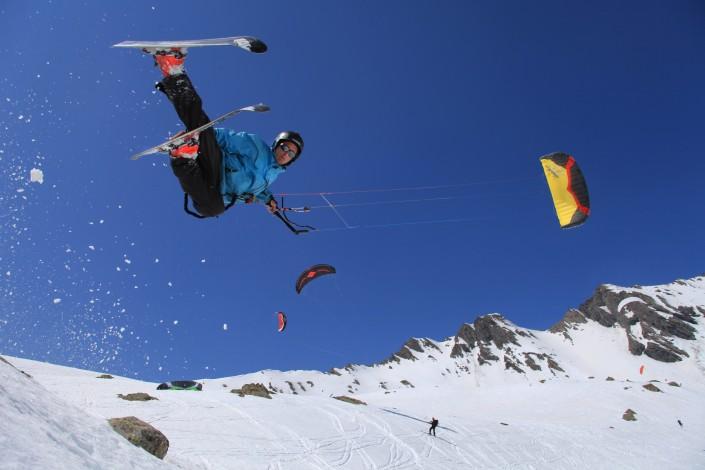 Learn-to-snowkite-michigan